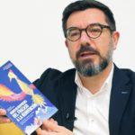 """Entrevista de Augere sobre la novela """"Viento de Respuestas. Del Fracaso a la Reinvención"""""""